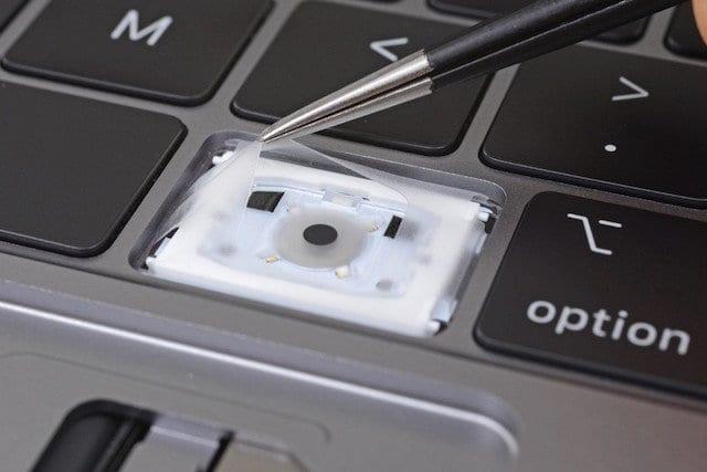 Устранение неполадок с клавиатурой MacBook Pro до 2018 г.