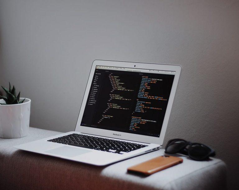 Просмотр метаданных в режиме просмотра файлов на Mac